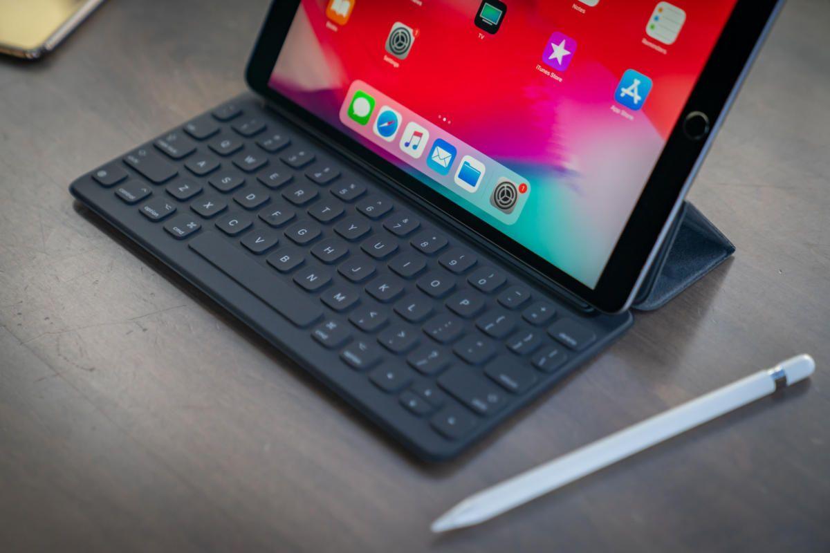 iPad Pro 2020 z podświetlaną klawiaturą Smart keyboard ...