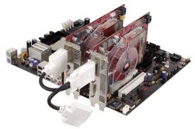 Płyta główna z chipsetem ATI Xpress 200 CrossFire i dwiema kartami graficznymi gotowymi do pracy
