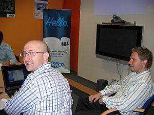 Łukasz Mentel - dyr ds. rozwoju, prezentuje działanie Skype