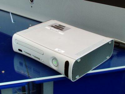 Konsola Microsoft Xbox 360 prezentowana na konferencji IDF 2005