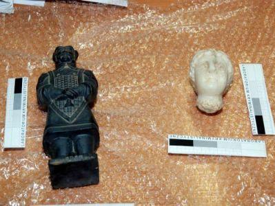 Starożytna figurka oferowana nielegalnie na aukcji internetowej