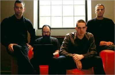 Członkowie zespołu badawczego z Toronto, rozpracowującego sieć GhostNet: (od lewej) Ronald J. Deibert, Greg Walton, Nart Villeneuve, Rafal A. Rohozinski (źródło: New York Times)