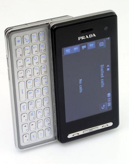 Przy projektorowaniu niektórych telefonów udziałbiorą znane firmy sprzedające dobra luksusowe. Przykład telefon LG opracowany przy współudziale włoskiej Prady