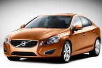 """Nowe Volvo S60 """"zauważy"""" pieszego na drodze"""