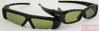 Jak widać na zdjęciu stylistyka i wyposażenie (akumulator lub bateria) okularów 3D mogą być różne.