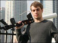 "John Hering i ""BlueSniper rifle"""
