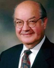 Paul Baran - pomysłodawca cyfrowego przełączania pakietów i współtwórca zdecentralizowanej sieci. Jeden z pionerów internetu i łączności bezprzewodowej.