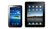 TABLETY: Po lewej Samsung Galaxy Tab, a po prawej Apple iPad.