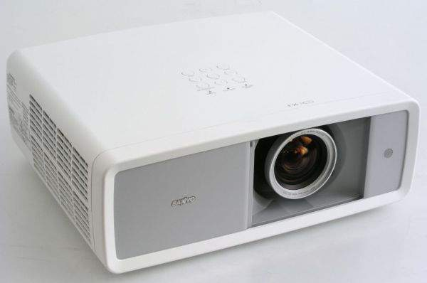Projektor kinowy Sanyo