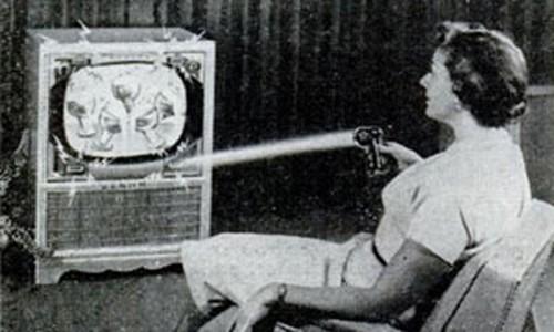 Piloty telewizyjne - jak zmieniały się na przestrzeni dekad?