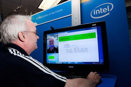 Czy nowe technologie autoryzacji użytkownika zapobiegną kradzieży tożsamości?