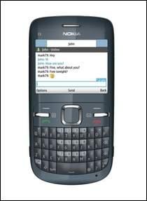 Nokia C3 korzysta z klawiatury QWERTY. Jak uważacie: to plus czy minus?