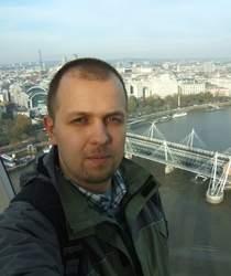 Na pytania odpowiada Tomasz Zieliński, autor Transportoida - rozkładu jazdy komunikacji miejskiej dla systemu Android.