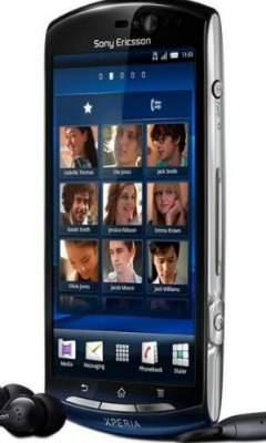 Sony Ericcson Xperia Neo - przedni panel