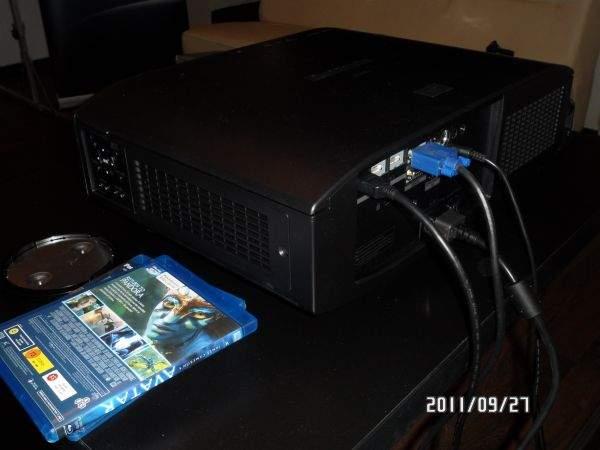 Panasonic PT-AT5000E tył