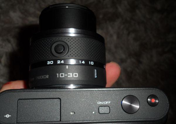 Nikon J1 od góry