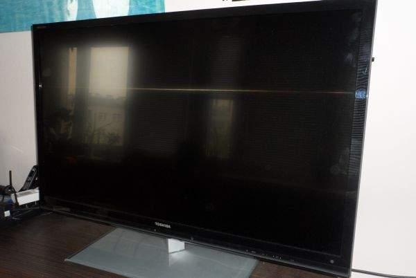 Toshiba UL863 LED LCD TV łatwo się brudzi