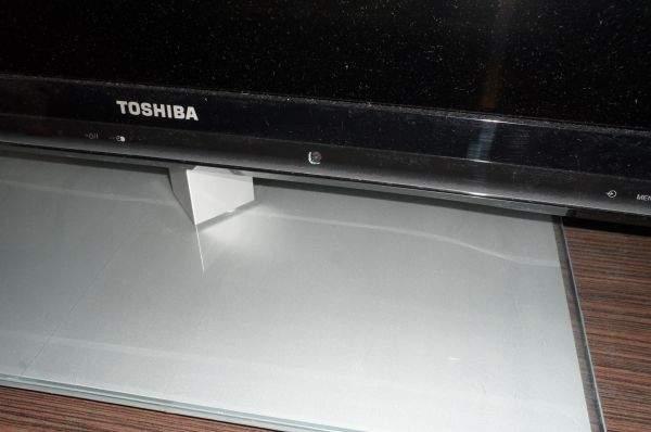 Toshiba UL863 LED LCD TV - podstawa 2