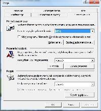 Format HTML daje dostęp do wbudowanych w Outlooka papeterii ale użycie Worda jako edytora wyłącza możliwość ich użycia z poziomu programu pocztowego