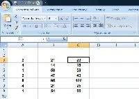 Ten sam arkusz kalkulacyjny Excela, co poprzednio ale z ukrytymi formułami