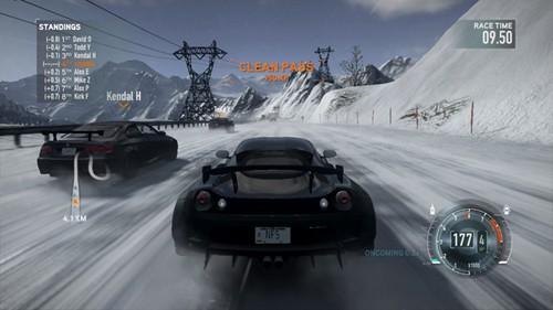 Śnieżne zaspy nie są przeszkodą dla naszego samochodu!