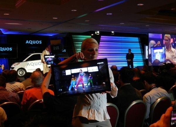 Mobilne telewizorki Sharp na CES 2012