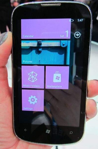 ZTE Orbit z Windows Phone Tango