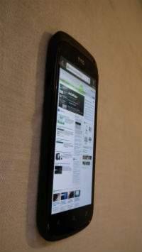 Zastosowany ekran Super AMOLED zapewnia duży kąt widzenia