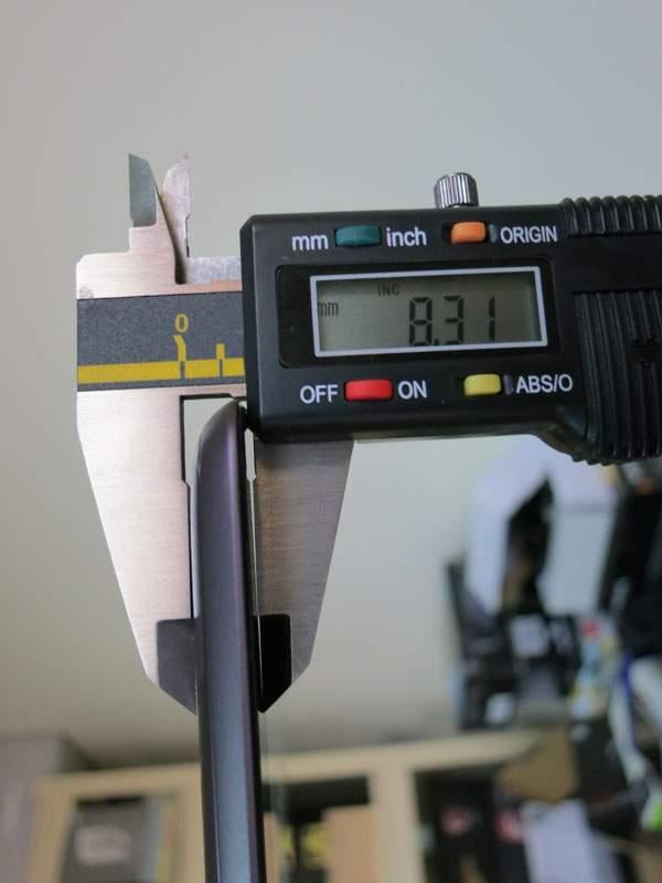 Asus Transformer Prime TF201 - sam tablet jest bardzo cienki (niecałe 8,5 mm)
