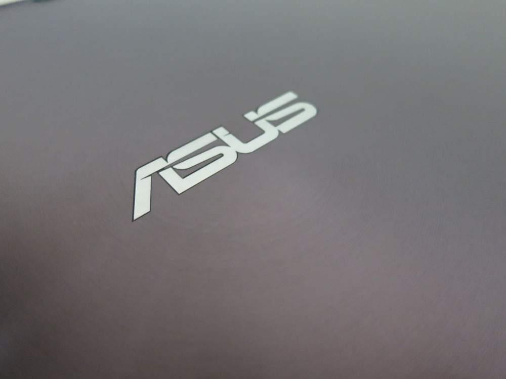 Asus Transformer Prime TF201 - metalowa obudowa jest sztywna i mocna