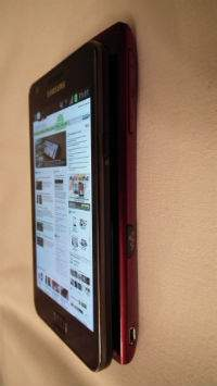 Sony Walkman Z1000 jest grubszy niż najpopularniejsze smartfony