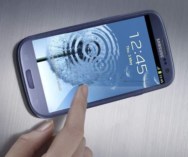 Galaxy S III w kolorze niebieskim