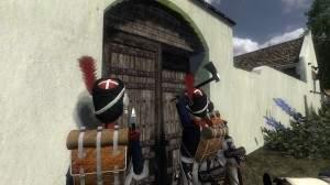 Saperzy wyłamujący drzwi