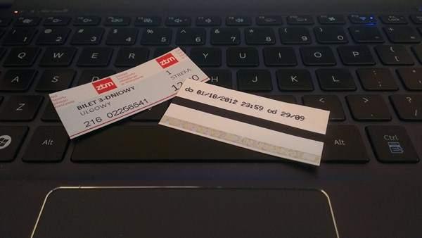 Darmowe triale, tak jak trzydniowe bilety komunikacji miejskiej, zazwyczaj kończą się przedostatniego dnia o godzinie 00:00, zamiast trwać do równej godziny aktywacji