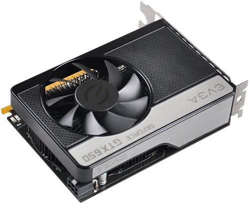 GeForce GTX 650 jest bardzo małą kartą. Zapewne niebawem na rynku pojawią się jego wersje niskoprofilowe, przeznaczone do miniaturowych komputerów HTPC.