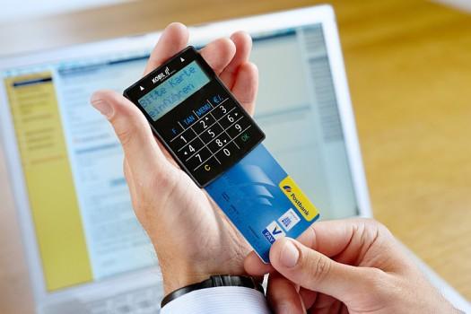 Generator kodów jednorazowych znacznie podwyższa poziom bezpieczeństwa w transakcjach internetowych, np. bankowych.