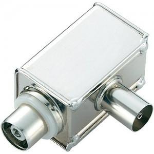 Filtr przeciwzakłóceniowy podłącza się pomiędzy kartą telewizyjną i kablem antenowym. Skutecznie redukuje nieprzyjemne buczenie.