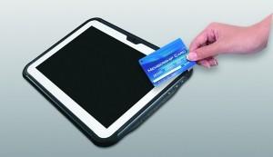 Dostęp do swojego konta i danych jest udzielany po zbliżeniu karty NFC.