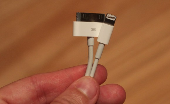 Nowy system iOS7 wykrywa nieoryginalny kabel Lightning i może go zablokować