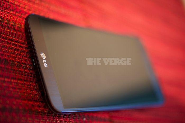 Zakrzywiony LG G Flex na zdjęciach i wideo. Lepszy od Galaxy Round?