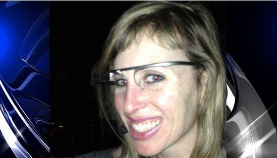 Kobieta została zaatakowana w barze i pozbawiona okularów Google Glass. Dobrze jej tak?