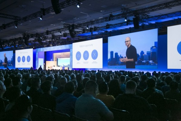 Satya Nadella na konferencji Ignite (foto: Microsoft)