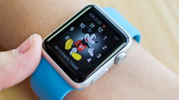 Apple Watch pozwala wybrać tarczęz Myszką Miki