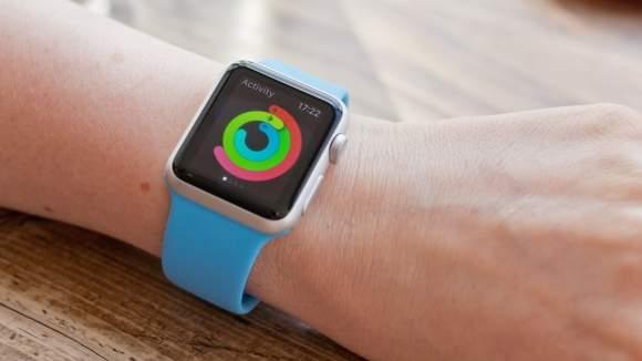 Aplikacja Aktywność pokazuje realizację założeń treningowych na dany dzień