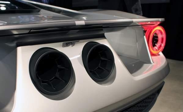 Tył Forda GT