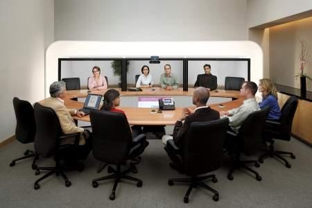 Pomieszczenie konferencyjne wyposażone w system Cisco Telepresence CTS-3000