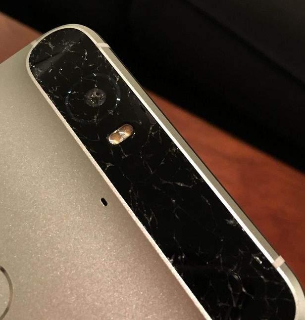 Nexus 6P - pękające z tyłu szkło