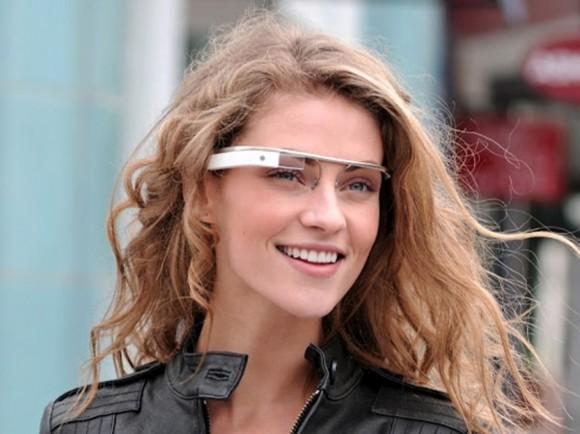Co się stanie, gdy cyberprzestępcy przejmą kontrolę nad takim urządzeniem nasobnym jak np. okulary Google Glass i zyskają wgląd w życie ich właściciela?
