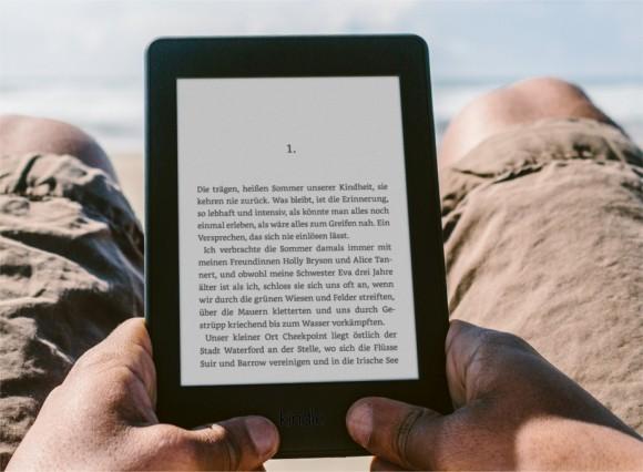 Czytanie książek za pomocą Kindle'a jest możliwe bez ciągłego synchronizowania danych, a więc szpiegowania.