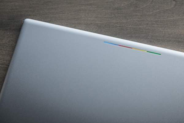 Google Pixel C - kolorowy pasek świetlny